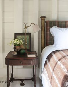 Magical Homestead — Tarnished old brass bed and vintage furnishings-. Home Decor Styles, Cheap Home Decor, Home Bedroom, Bedroom Decor, Bedroom Signs, Decorating Bedrooms, Master Bedrooms, Bedroom Ideas, Wall Decor