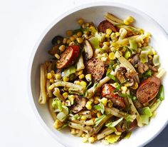Get the recipe for Pasta With Chicken Sausage, Corn, Leeks, and Mushrooms. Corn Pasta, Chicken Sausage Pasta, Italian Chicken Sausage, How To Cook Sausage, How To Cook Pasta, Easy Pasta Recipes, Healthy Recipes, Chicken Recipes, Bon Appetit