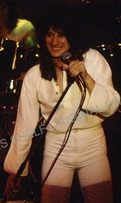 Steve Perry, now this is my kind of white knight, mmmm