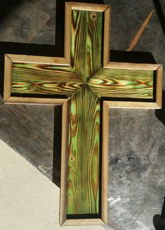 Decorative Crosses, Wooden Crosses, Crosses Decor, Wooden Stars, Wall Crosses, Small Wood Projects, Diy Projects To Try, Burnt Wood, Rustic Cross