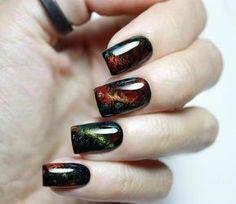 This cat-eye nail art is pure dark magic. Photo - 24 ways to do cat-eye nails Nail Art Design Gallery, Best Nail Art Designs, Colorful Nail Designs, Love Nails, Fun Nails, Pretty Nails, Gel Nagel Design, Nail Effects, Cat Eye Nails