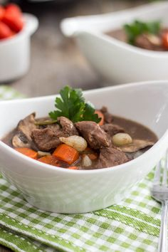 Coming home to a delicious and healthy Slow Cooker Boeuf Bourgignon after a hard day's work has never been so easy!