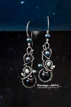 """Купить """"First Midnight Frost"""" Серебряные серьги - украшение, чёрно-белый, подарок девушке"""