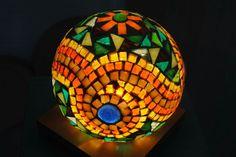 Mosaic Garden Art, Mosaic Art, Mosaic Glass, Crafts To Make, Arts And Crafts, Diy Crafts, Mosaic Bowling Ball, Mosaic Bottles, Outdoor Crafts