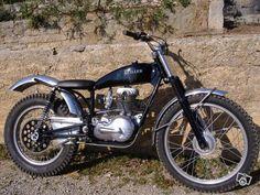 Moto française de trial années 50 réalisée à partir d'une Guiller type G90 sport