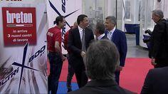 Renzi during the opening of Piaggio Aerospace (Breton area)