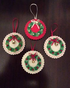 Result pictures for Christmas feltchristmas felt - These would be cute to make for Chreistmas cards, a Christmas village, etc./Christmas_Wreath_Felt green with red bowsChristmas Decorations – www.themulberry-b…DIY Santa Claus Sewing Patterns and Christmas Sewing, Christmas Crafts For Kids, Homemade Christmas, Christmas Projects, Felt Crafts, Christmas Fun, Holiday Crafts, Felt Christmas Decorations, Felt Christmas Ornaments