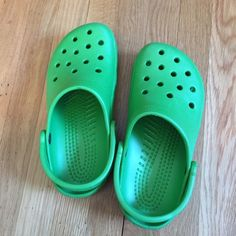 b88eb481b2b964 Crocs - Bright Green Classic Style Worn once or twice. No blemishes or  marks. Size 7 in women s and 5 in men s.