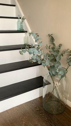 Home Stairs Design, Home Room Design, Home Interior Design, Hallway Designs, Hallway Ideas, Basement Stairwell Ideas, Painted Staircases, Painted Stairs, Staircase Remodel