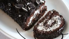 Oreo-rullekake   Oppskrift   Godt.no Afternoon Tea, Yummy Food, Yummy Recipes, Food And Drink, Sweets, Baking, Desserts, Oreo, Cakes