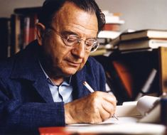 The German socialist thinker Erich Fromm developed a powerful critique of authoritarian culture in response to the rise of Nazism. Today's Left has much to learn from that critique, and from his defiant political optimism in the face of dark times. Urie Bronfenbrenner, Sigmund Freud, Carl Jung, Grimm, Martin Luther, Psychological Theories, Critical Theory, Johann Wolfgang Von Goethe, Les Religions