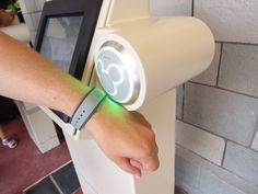 My thoughts on MyMagic+, Using MagicBands for Fastpass+!  #disney #magicbands #disneyworld #mymagic+