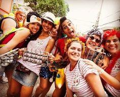 Os blocos de rua vão dominar também o rooftop do MAC em São Paulo. No sábado de Carnaval (25) o bloco Tô de Bowie agita os foliões do The Art Of Heineken. Já na terça-feira (28) duas atrações se unem para animar a última noite de folia: Venga Venga e Confraria do Pasmado. Sempre a partir das 19h. (via @lucianeangelo) #regram @confrariadopasmado #heineken @heinekenbr  via MARIE CLAIRE BRASIL MAGAZINE OFFICIAL INSTAGRAM - Celebrity  Fashion  Haute Couture  Advertising  Culture  Beauty…