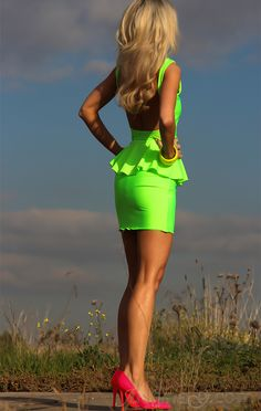 Omg that dress!