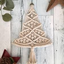 Macrame Wall Hanging Patterns, Christmas Diy, Christmas Ornaments, Macrame Earrings, Macrame Projects, Macrame Tutorial, Macrame Knots, Diy Wall Decor, Xmas Decorations