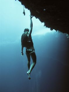 Sofia Gomez Uribe, Hanging out at the Blue Hole. Photo by Jonathan Sunnex