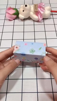 Cool Paper Crafts, Paper Flowers Craft, Fun Crafts, Diy Crafts Hacks, Diy Crafts For Gifts, Diy Doll Suitcase, Origami Notebook, Art And Craft Videos, Origami Bookmark