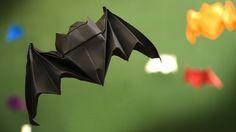 Aprenda a fazer passo a passo essa fácil dobradura origami de morcego para o Dia das Bruxas (Halloween). Usando a técnica de Wet folding paper, ou papel úmido, você poderá enfeitar sua festa com animais!