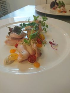turkey with a sauce of tuna rillettes with tuna, tomatoes Currant