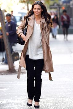 Katie Holmes casual chic