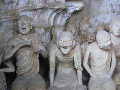 【奈良・法隆寺/塔本四面具(711年)】複数の塑像でジオラマ状に仏教に関連する4つの場面を表したもの。東面は文殊菩薩と維摩居士の問答、西面は釈尊の遺骨の分配、北面は釈迦の入滅、南面は弥勒の浄土の場面。南面は諸仏の損傷が激しい。