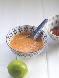 Streetfood & Sambal: Indonesischer Kohlsalat mit spicy Erdnusssauce und selbst gemachtem Sambal ulek (Sambal oelek)