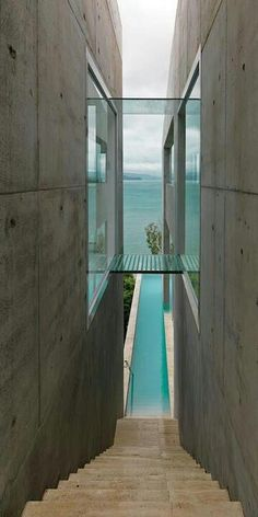 Stairs leading down to the pool... a suspended walkway... loving it.