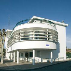 Art deco architecture france 47 ideas for 2019 Architecture Bauhaus, Architecture Design, Art Nouveau, Pop Art Wallpaper, Streamline Moderne, Art Deco Buildings, Modern Art Deco, Art Deco Home, Building Art