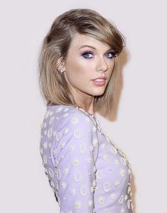 Taylor Swift pink and purple eye shadow