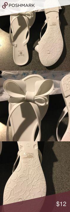💙NWT DIZZY BOW SANDALS💙 Brand new adorable sandals! Dizzy Shoes Sandals