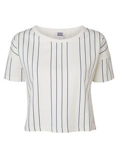 Cropped tee with stripes from VERO MODA. #veromoda #stripes #fashion #style