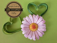 I have made these heart leaves to decorate my daisies Quilling Tutorial, Quilling Flowers, Flower Tutorial, Step By Step Instructions, Daisies, Paper Art, Leaves, Heart, Creative