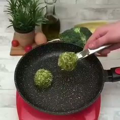 Broccoli sandwich, the video recipe by Chefclub Low Carb Recipes, Vegetarian Recipes, Cooking Recipes, Healthy Recipes, Healthy Snacks, Healthy Eating, Food Hacks, Food Inspiration, Love Food