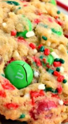 The Best M&M's Cookies ~ The secret to soft, chewy cookies is pudding mix!