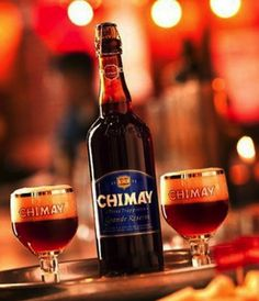"""A poucos quilômetros ao sul da cidade de Chimay na província belga de Hainaut no vale de Scourmont se encontra a Abadia de Notre Dame, foi edificada em 1850 por monges cistercienses vindos de Westvleteren. Rapidamente, em 1862, começou uma produção de cerveja e queijo, registros mostram que a primeira cerveja feita na Chimay foi uma Lager (cerveja de baixa fermentação) chamada """"Bavaria"""" inspirada nas cervejas produzidas em Dortmund, logo essa cerveja deixou de ser produzida dando lugar a…"""