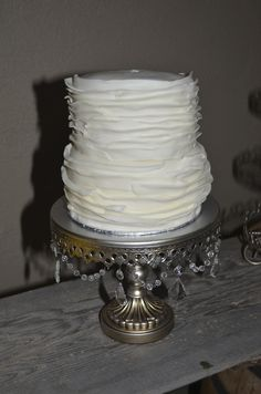 A flower was added to the top Sister Wedding, Fairytale, Flower, Simple, Cake, Desserts, Summer, Top, Pie Cake