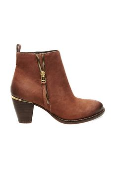 Steve Madden: Wantagh