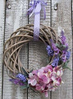 Willow Wreath, Grapevine Wreath, Flower Arrangement Designs, Floral Arrangements, Easter Wreaths, Spring Crafts, Door Wreaths, Seasonal Decor, Diy Crafts