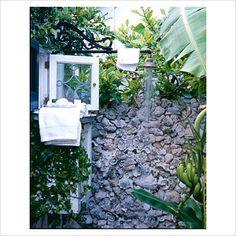 Key West Outdoor shower Photographer:Tria Giovan