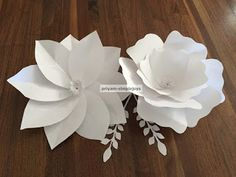SimpleJoys: Giant Paper Flowers