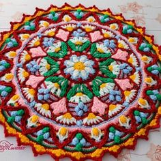 Scrap Yarn Crochet, Crochet Cushions, Crochet Doilies, Crochet Mandala Pattern, Crochet Circles, Crochet Applique Patterns Free, Granny Pattern, Crochet Videos, Yarn Colors