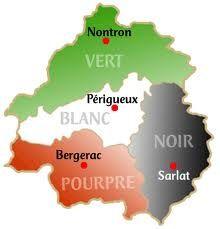 Périgord vert des forêts de chênes clairs, Périgord blanc du sol calcaire, Périgord pourpre du Bergeracois et notre Périgord, le Périgord Noir de la truffe et du rapport à l'humanité. De Cro-magnon aux visiteurs d'aujourd'hui, notre région a toujours été un lieu où les passagers se sont arrêtés, où les nomades se sont sédentarisés... Plus d'info : http://perigord-noir.blogspot.fr/
