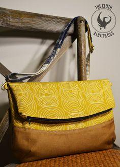 Tutorial for adding an external pocket to the Blue Calla Freesia Foldover Bag.