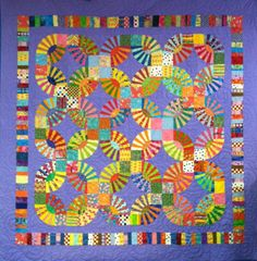 Kaffe Fassett's Pickle Dish quilt, a class by Judy Witkin, at The Quilt Store Inc. I like her border altho', on Fassett's I like how the edges are straight.& his colours! Quilting Projects, Quilting Designs, Art Quilting, Quilting Ideas, Wedding Ring Quilt, Wedding Quilts, Double Wedding Rings, Foundation Paper Piecing, Traditional Quilts