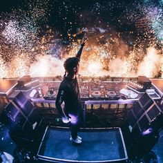 """218.4k Likes, 836 Comments - Martin Garrix (@martingarrix) on Instagram: """"USHUAIAAAA last night was once again amazing and so much fun!!! see you again next week :D"""""""