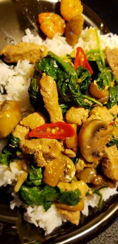 Thai Peppers, Kung Pao Chicken, Curry, Stuffed Peppers, Ethnic Recipes, Food, Meal, Curries, Stuffed Pepper