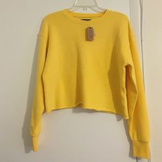 American Eagle cropped crew sweatshirt Sun colored sweatshirt, brand new never worn! American Eagle Outfitters Sweaters Crew & Scoop Necks