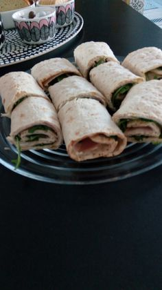 Ruokaa:)) Fresh Rolls, Ethnic Recipes, Food, Meals, Yemek, Eten