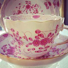 Meissen teacup                                                                                                                                                      Mais
