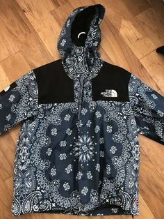 914085c9 Supreme x The North Face TNF Bandana Paisley Mountain Jacket Black Box